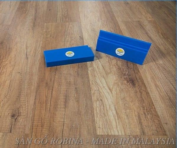 Sàn gỗ công nghiệp Robina 12 ly bản to 017