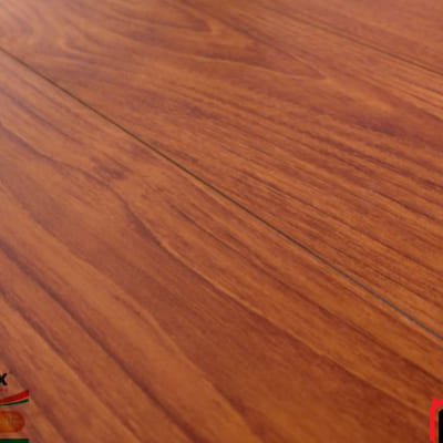 Sàn gỗ Glomax 12mm G127