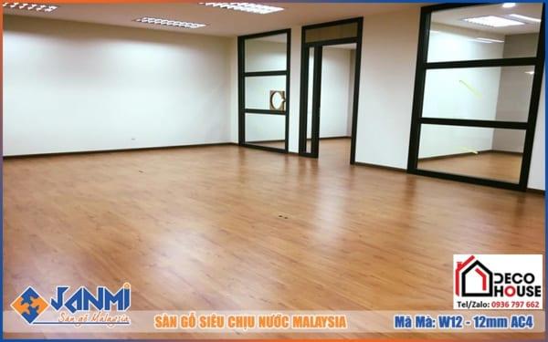 Sàn gỗ Janmi W12 12mm đẹp