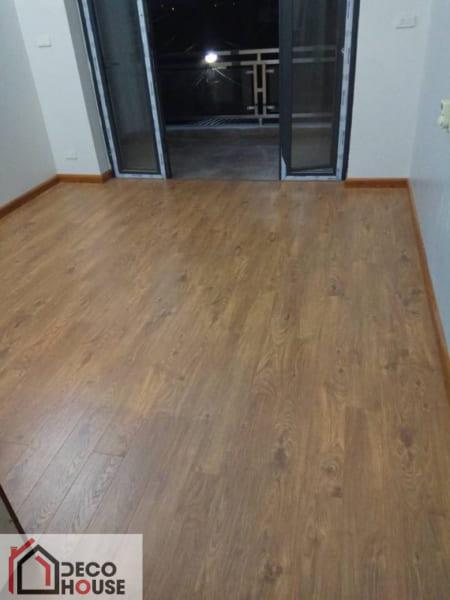 Sàn gỗ Kosmos 12mm giá rẻ KB 102