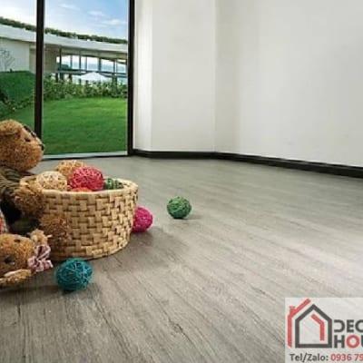 Sàn gỗ Robina 12mm O124