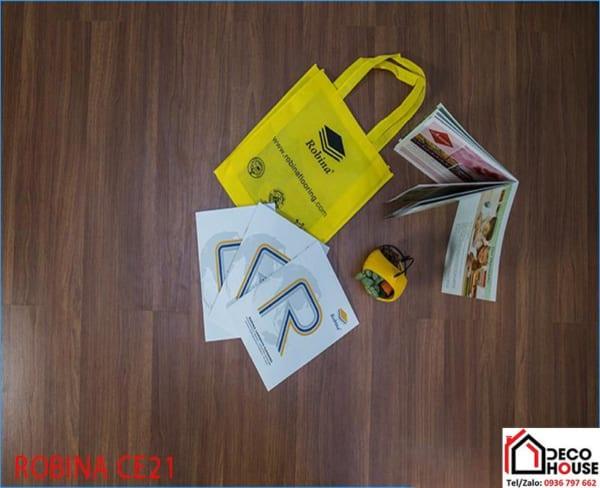 Lát sàn gỗ Robina CE21 nhập Khẩu Malaysia - Bạn yên tâm sử dụng bền đẹp, lâu dài